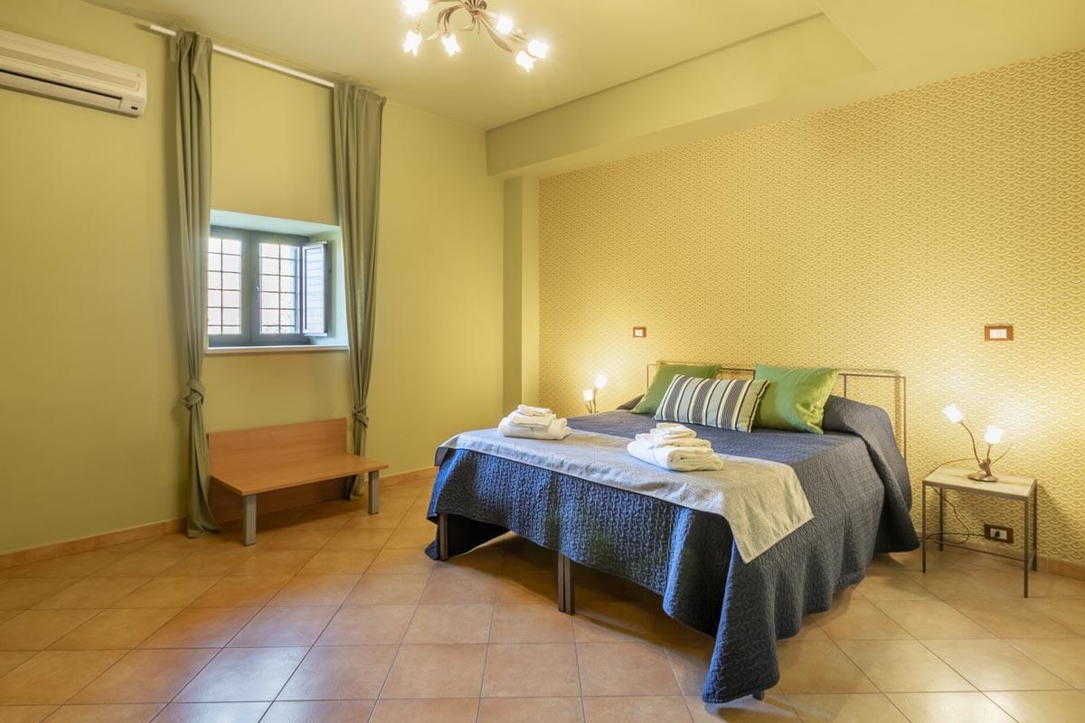 camera-matrimoniale-olivo-bb-villa-rosaria-noto-2