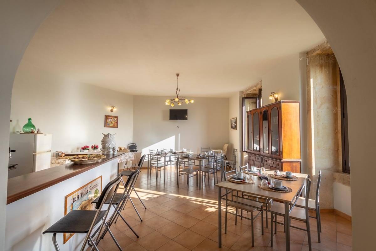 sala-colazione-bb-villa-rosaria-noto-2