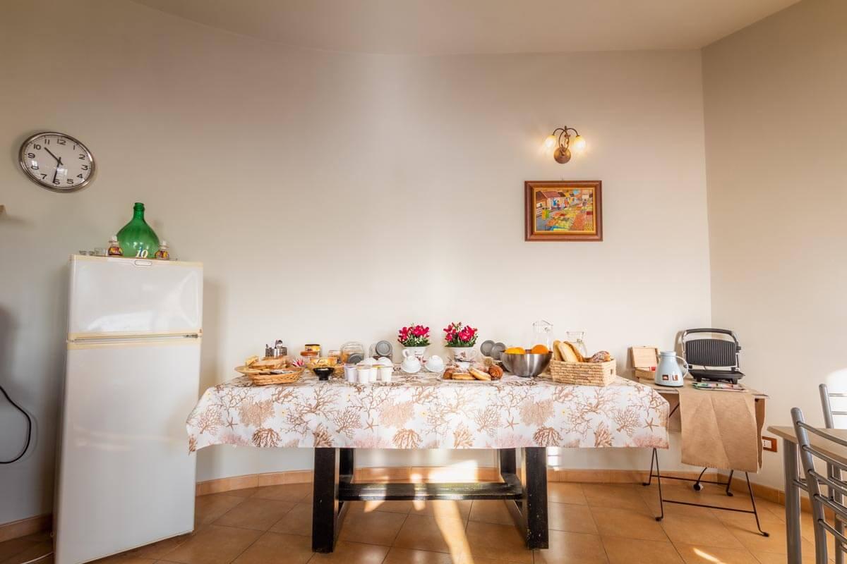 sala-colazione-bb-villa-rosaria-noto-6